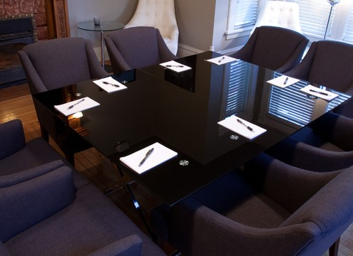 salle-table-carree-1030x360